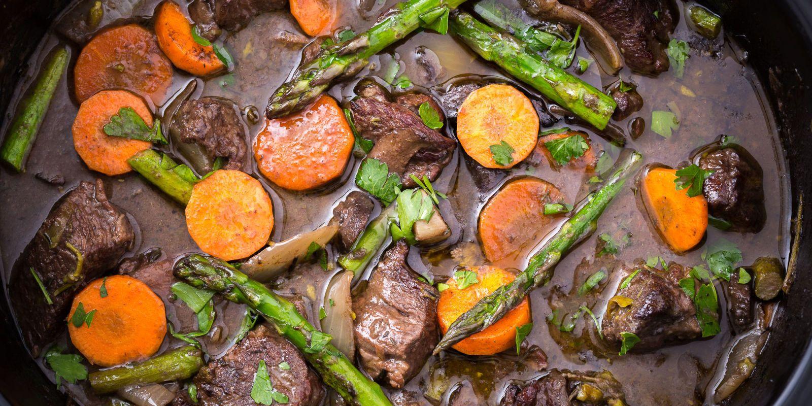 Slow Cooker Spring Beef Bourguignon Recipe Beef Bourguignon Beef Recipes Slow Cooker Dinner