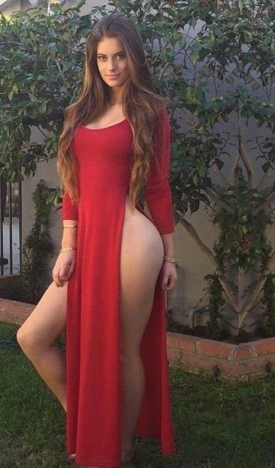 голые девушки в платьях фото