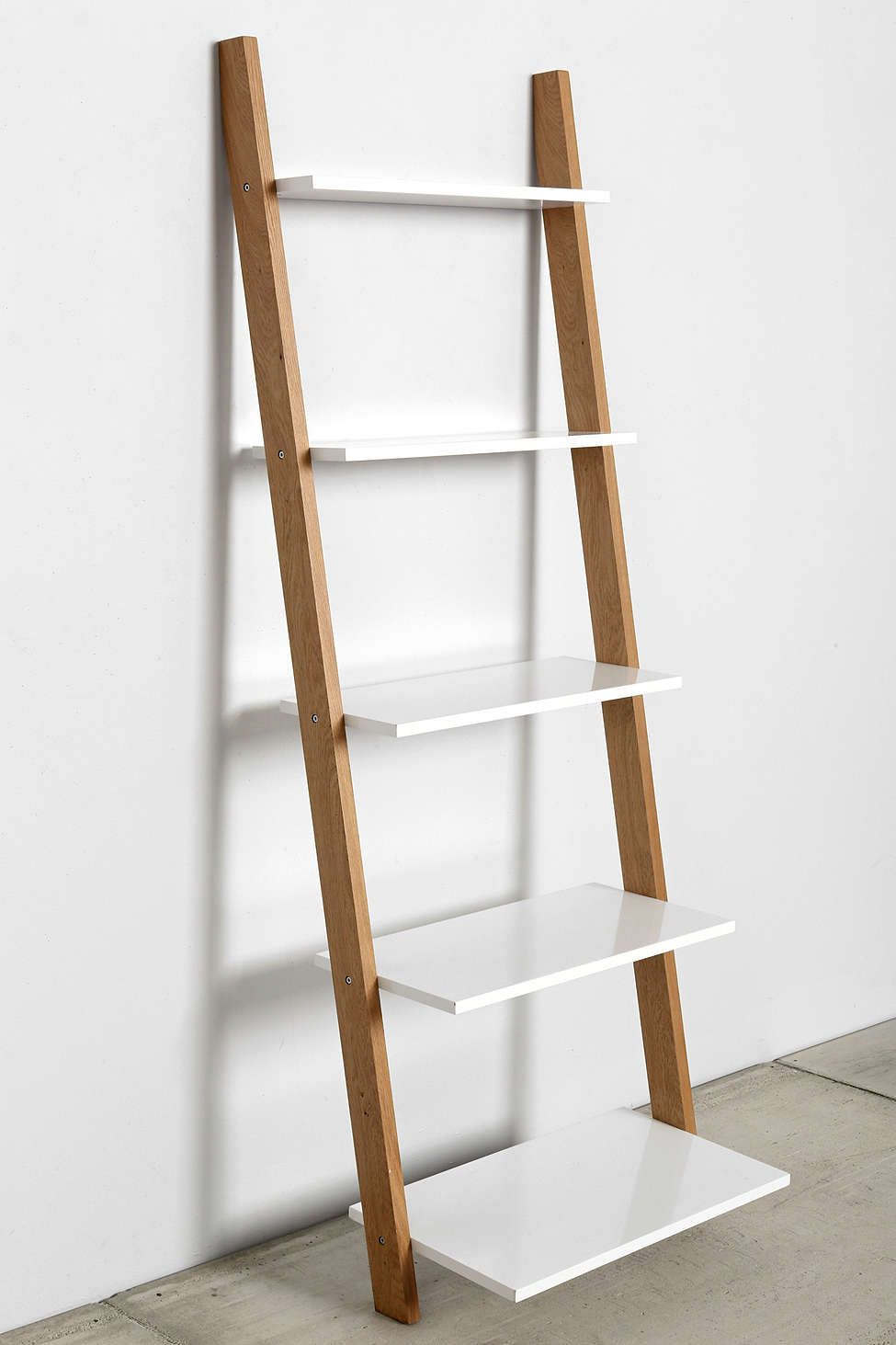 Merveilleux Leaning Bookcase