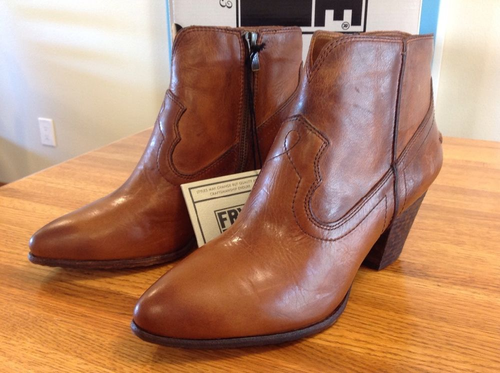 SALE $148 NEW FRYE Women's Renee Seam Short Ankle Boot 9.5 Antiqued Cognac  Retail $298 #