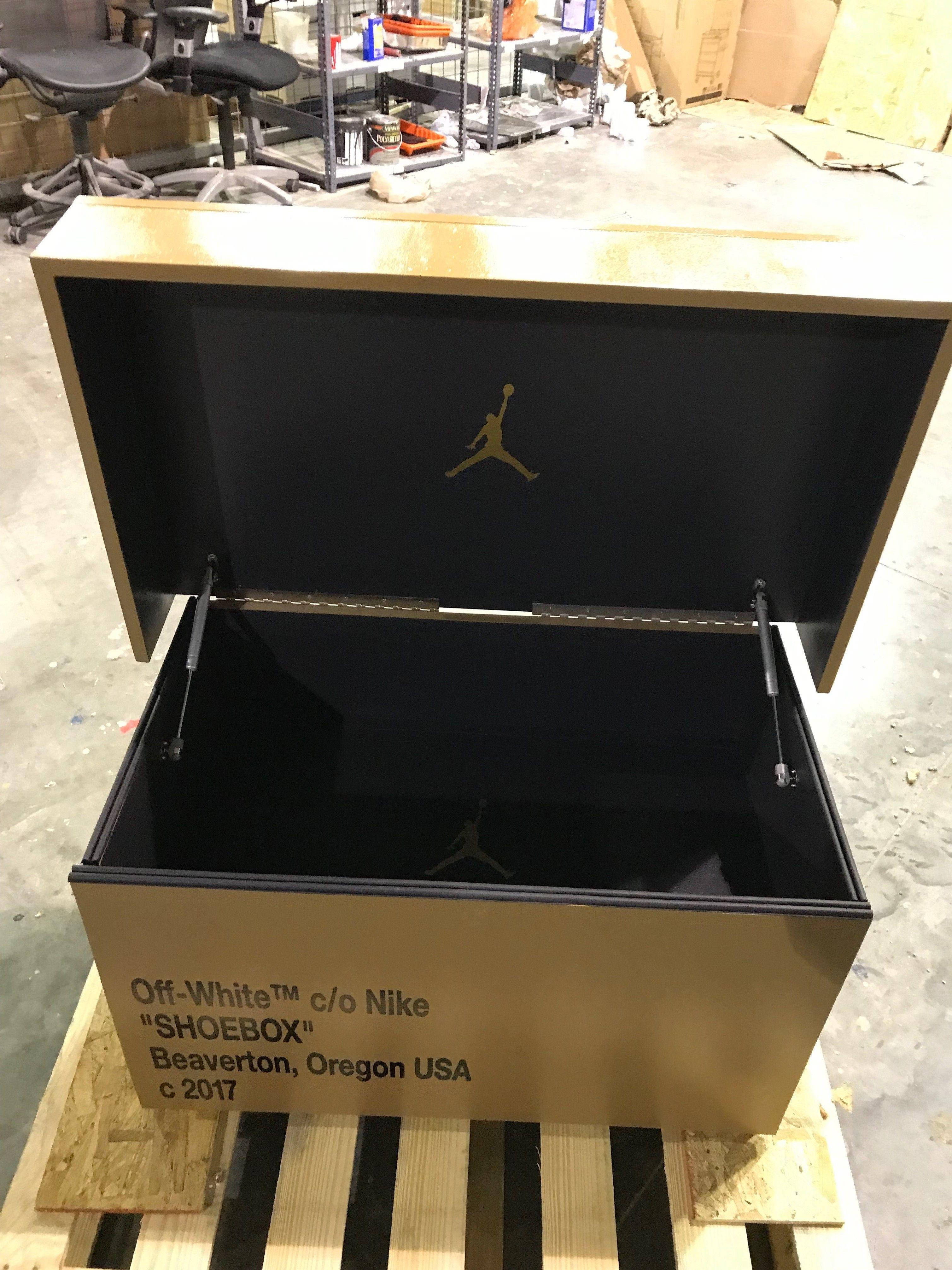 OFF WHITE Giant Shoe Box - Custom Shoe