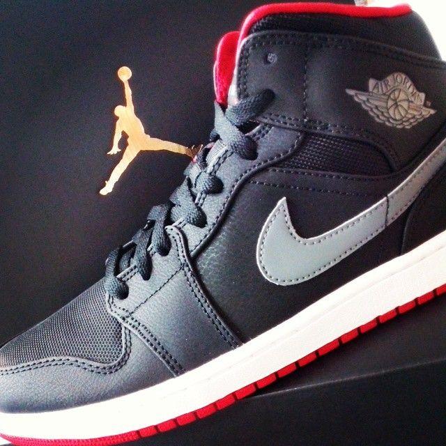 #Jordan #Nike #Jordan23 #Jordan1 #Columbia #Jumpman #Kicks #Sneakers #Fashion #streetwear #Hype    http://www.urbancity.pl/p/jordan-1961-b