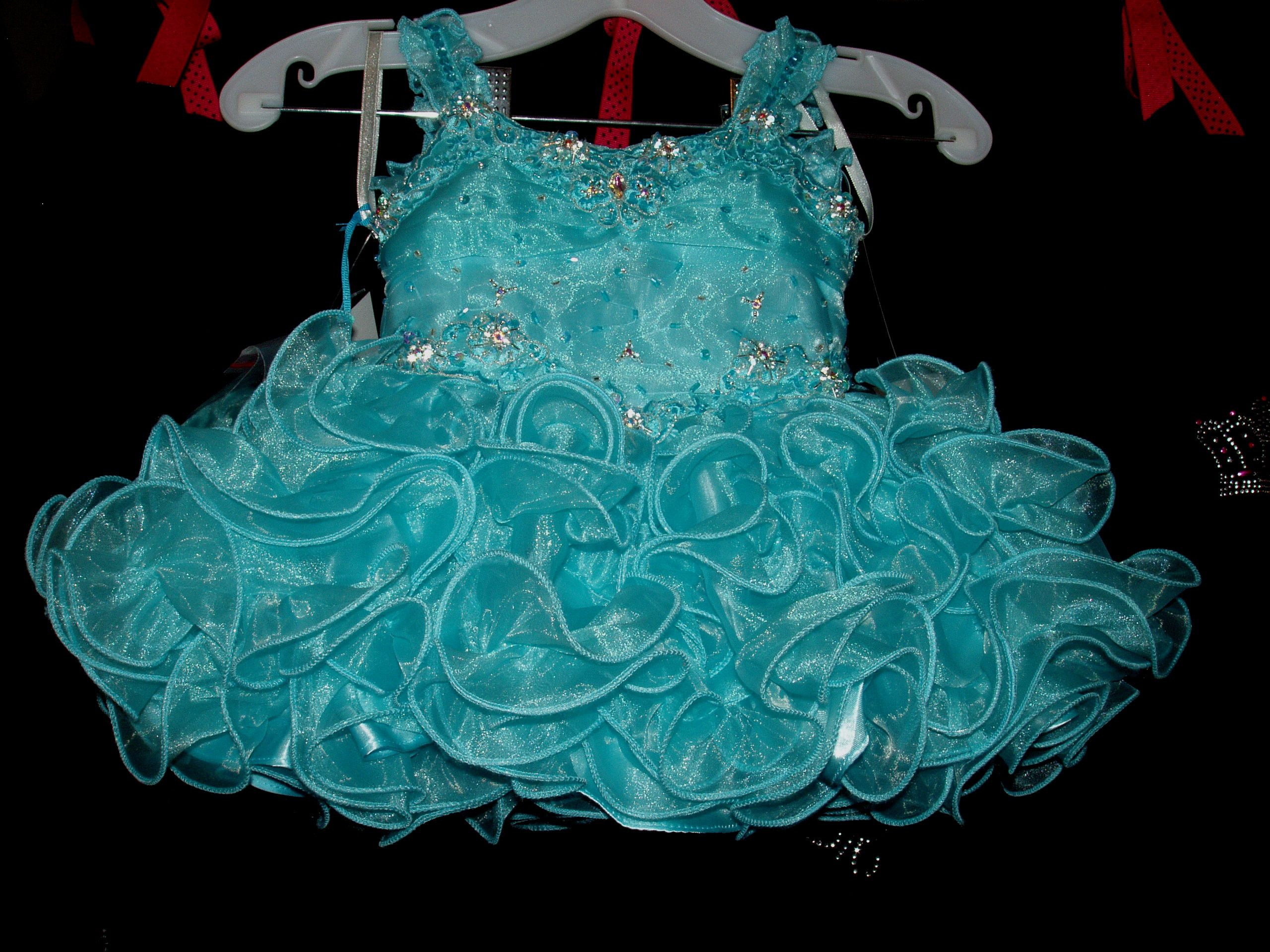 655908467 BABY PAGEANT DRESS SIZE 6 MONTHS Rental  75
