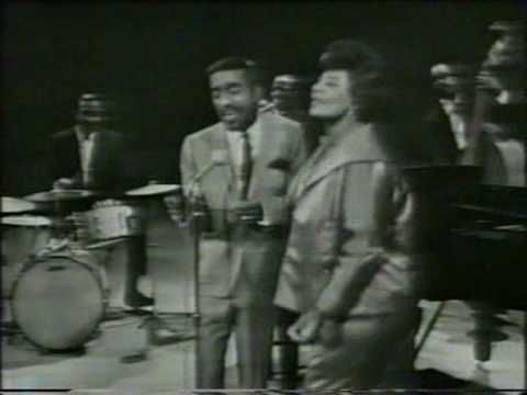 "Ella Fitzgerald & Nat King Cole ""It's all right with me"" - YouTube"