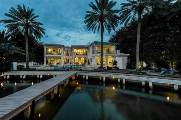 Pin By Ed Roberts On Amazing Structures Miami Beach Real Estate