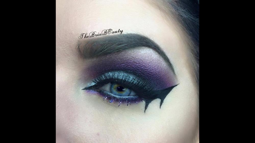 bat makeup - Google Search   Eye makeup kits, Rainbow eye ...