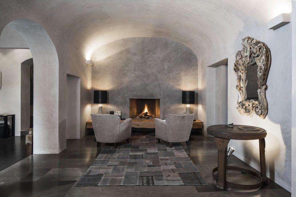 Villa atelier - Claudio Nardi Architects   #interiordesign #carpet #rug #archlove #minimal #mirrow #plasterbrushed #vault #fireplace #love #romance #sweetheart