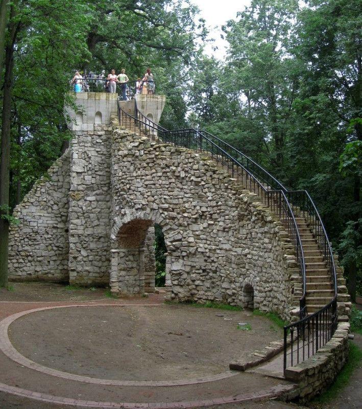 Tour en ruine - Tsaritsyno - Construit en 1805 par Ivan Egotov
