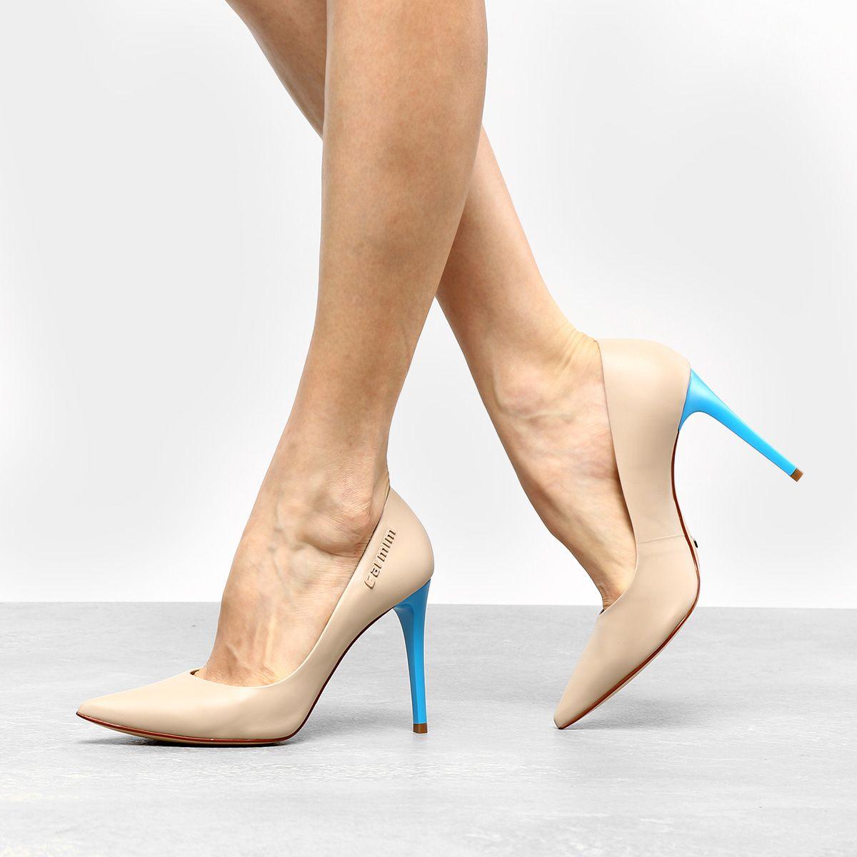 40785889e Scarpin Couro Carmim Salto Fino - Compre Agora | Zattini | Sapatos ...