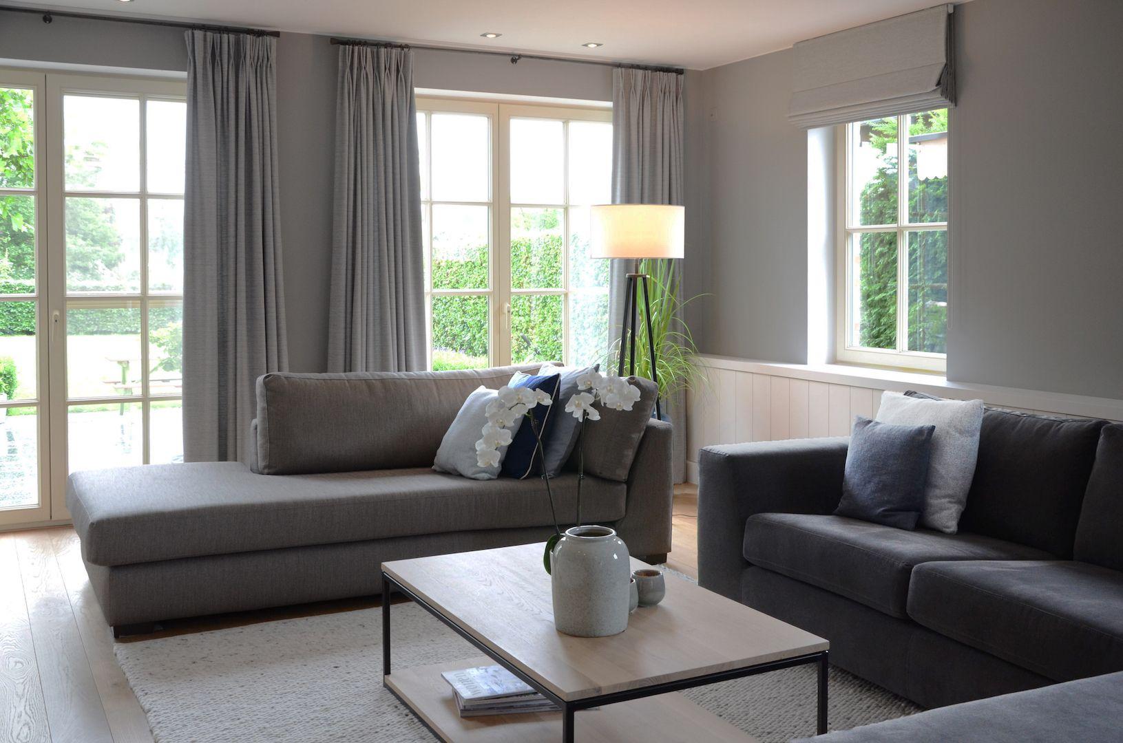 ferrum lonja sala comedor y paletas de colores. Black Bedroom Furniture Sets. Home Design Ideas