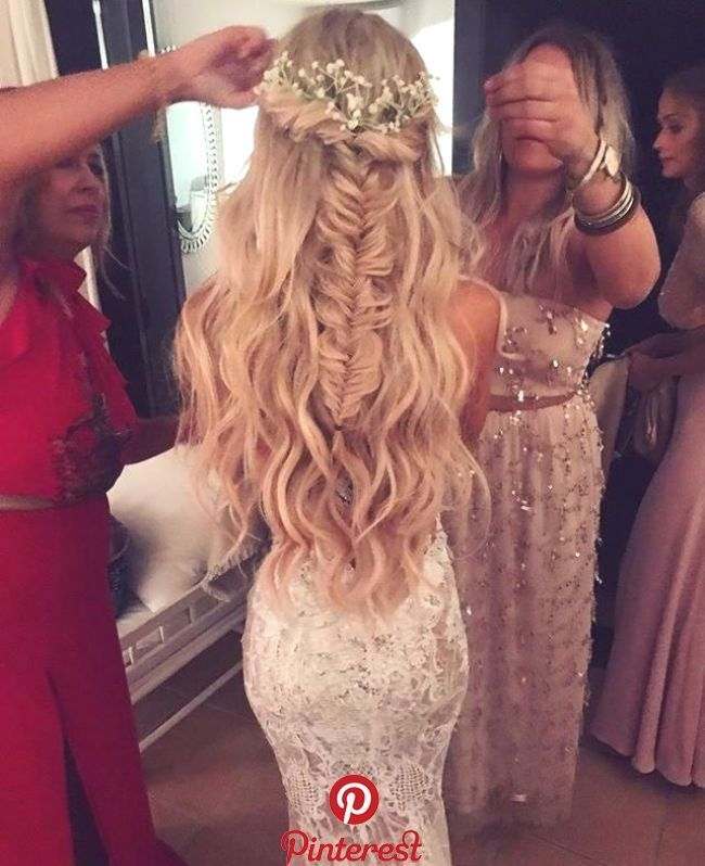 Beautiful Wedding Hairstyles For Bridesmaids Beautiful Bridesmaids Hairstyles Wedding In 2020 Bride Hairstyles Strapless Dress Hairstyles Wedding Hair Down