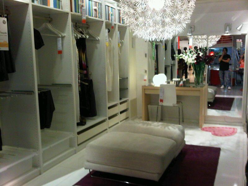 Walk in closets with windows ikea walk in closet designs in bright white theme nice ikea - Ikea walk in closet design ...