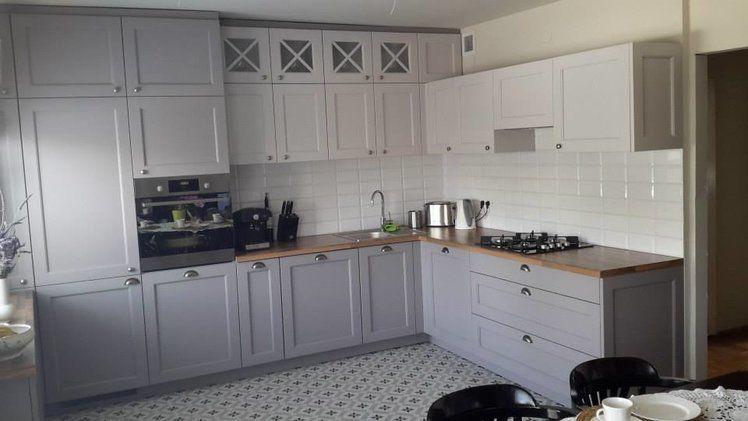 Szara Kuchnia W Stylu Angielskim Kuchnia Kitchen Cabinets Home