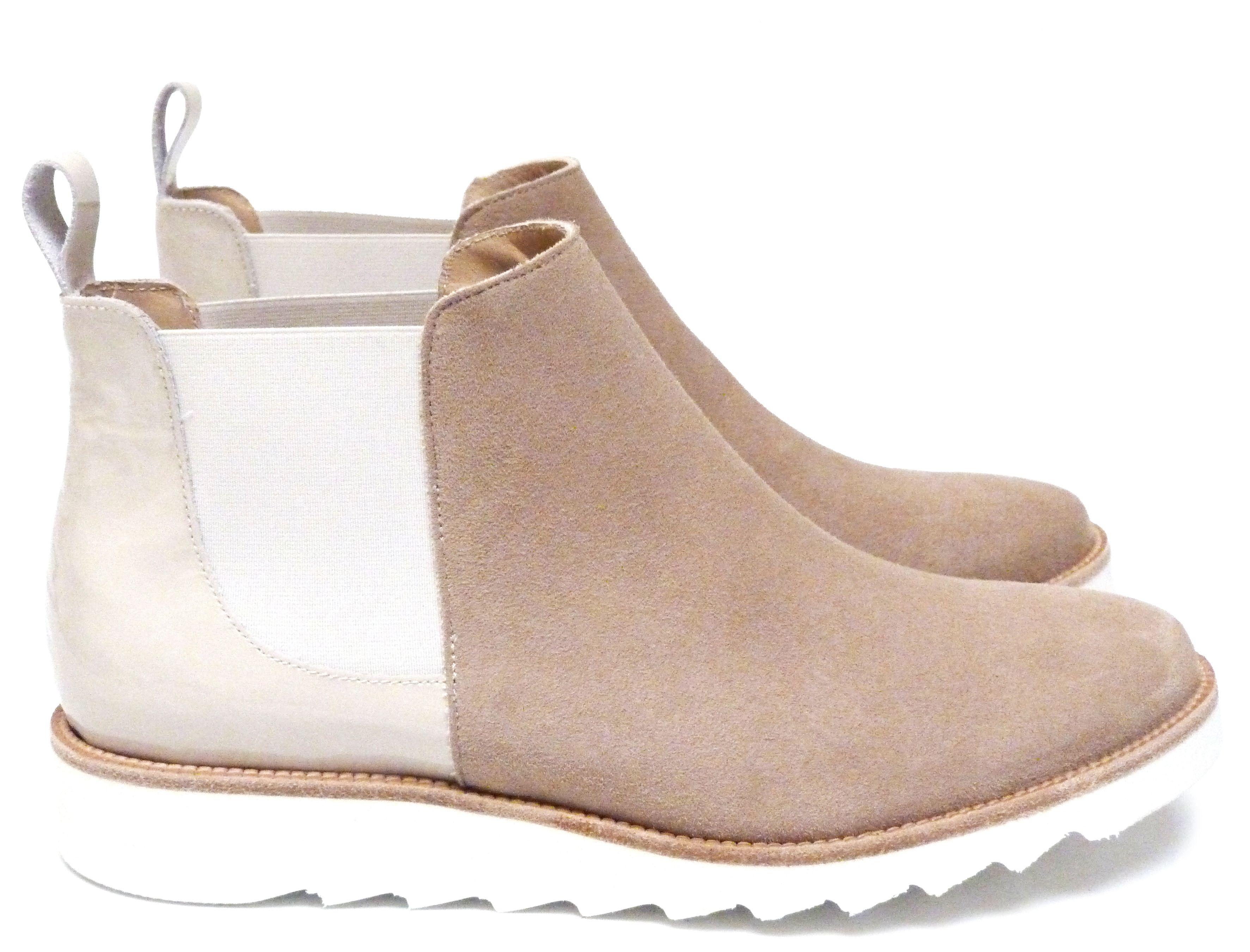 c860fad64139 Chaussures Femme Boots Printemps Eté 2015 Maurice Manufacture BRENDA Chèvre  velours sable - Verni sable