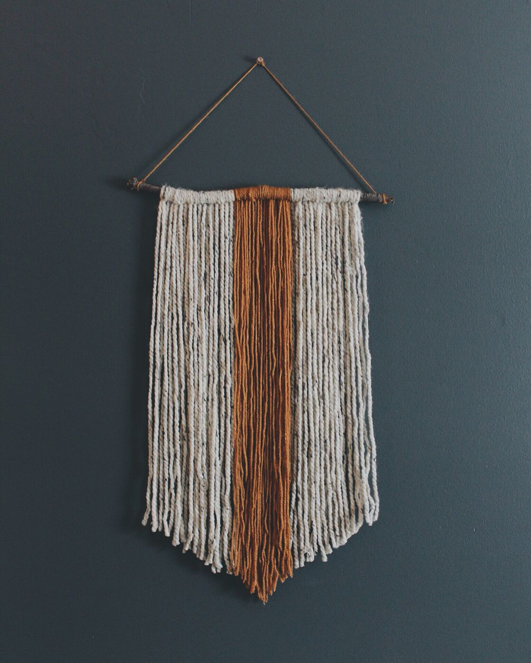 Easy Diy Yarn Wall Hanging Diy Wall Yarn Wall Art Diy