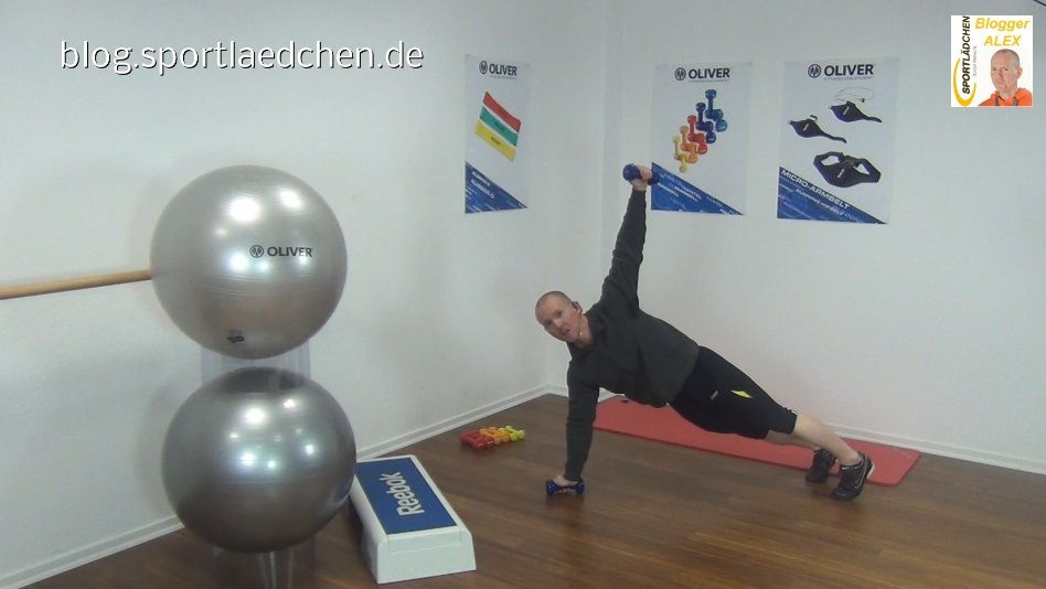 Functional Training Übungen Liegestuetz mit Armheben 3
