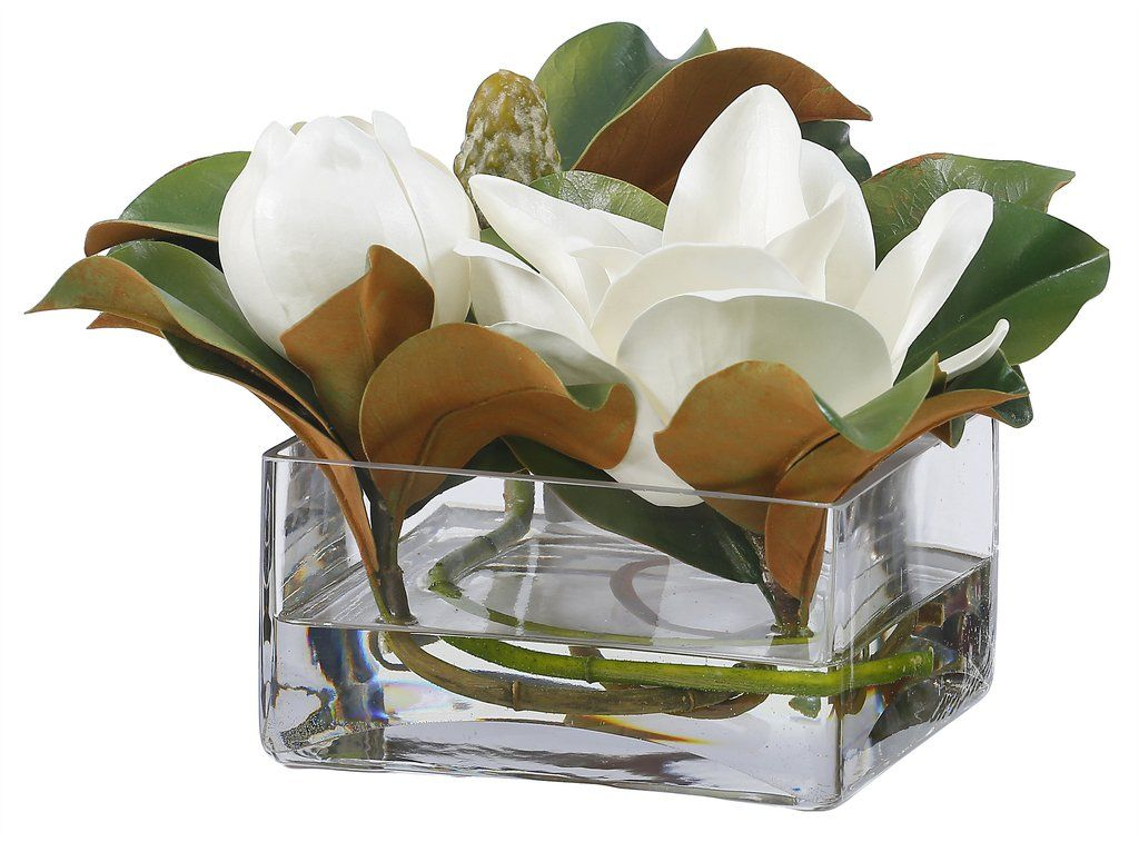 Simple Yet Elegant Casually Arranged Magnolia Set In A Square Glass Vase The Sig Simple Wedding Centerpieces Flower Centerpieces Wedding Wedding Centerpieces