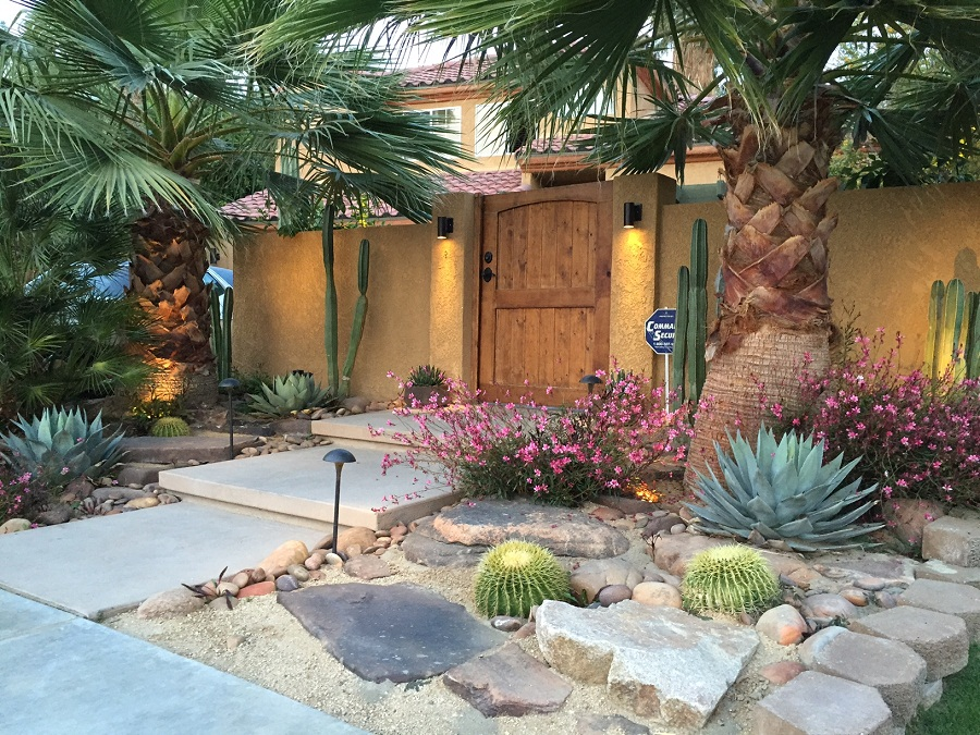 Desert Landscaping Ideas Small Home Designs Beauty Of Desert Landscaping Ideas Succulent Landscape Design Desert Landscape Design Front Yard Decor