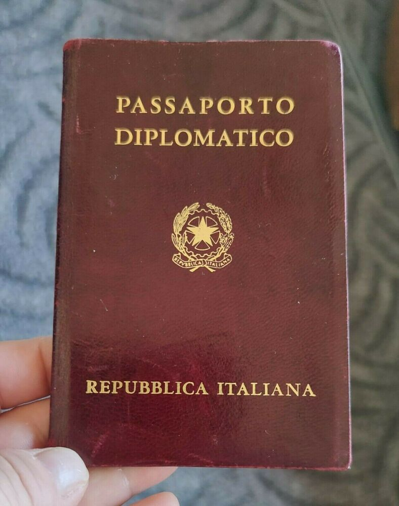 Italy Diplomatic Passport Dr Diego Moretti Embassy Counselor 1985 86 Rare Expired Passport Passport Documents Book Cover