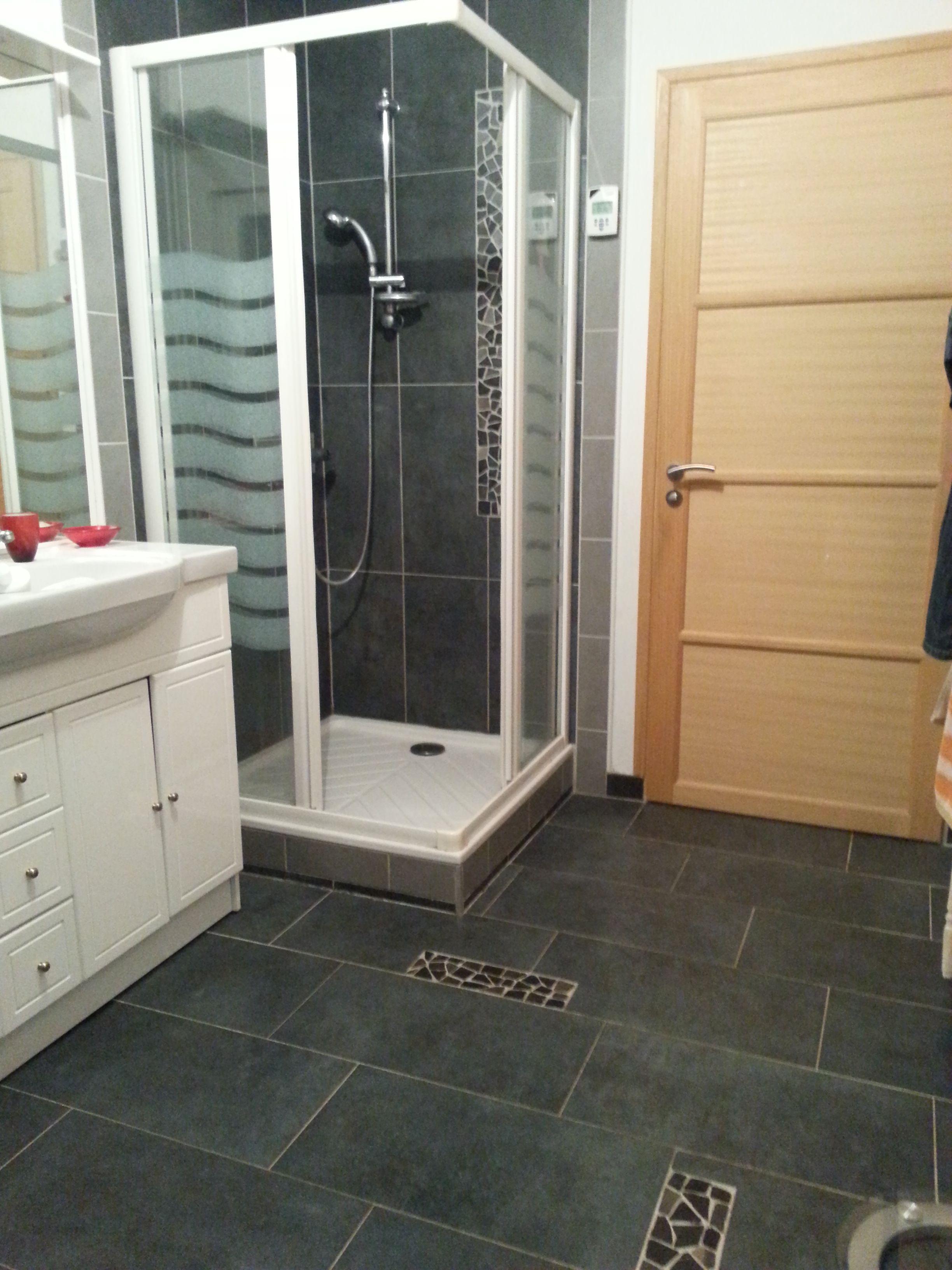 Une Douche De Coin Http Espritcarrelage Com Bathtub Home Decor Alcove Bathtub