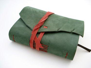 Tagebuch aus Leder, Lederbuch Notizbuch *kieferngrün*