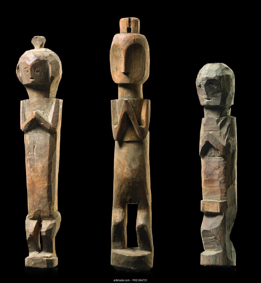 Estatua de antepasasdo adu zatua. Asia. Siglo XIX. Madera
