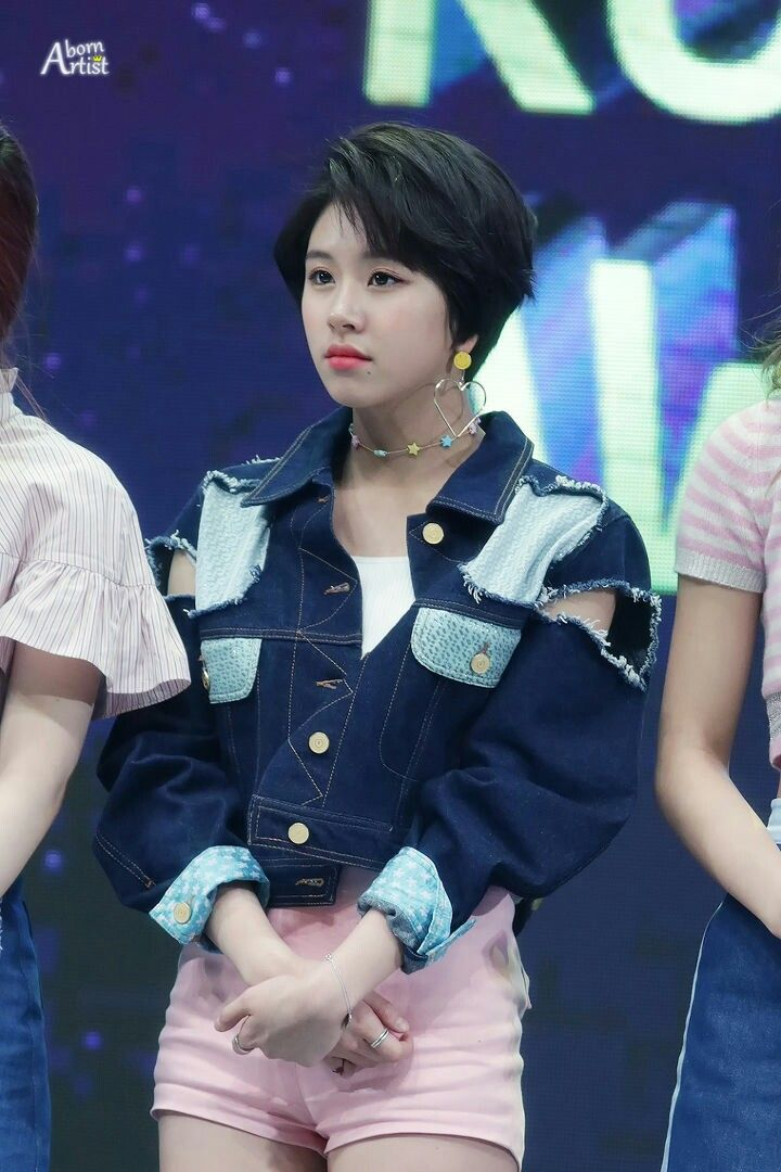 Twice Chaeyoung Short Hair Outfits Korean Celebrities Kpop Girls