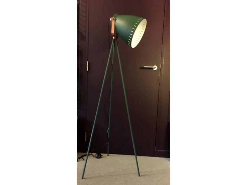Staande lamp driepoot mingle lighting