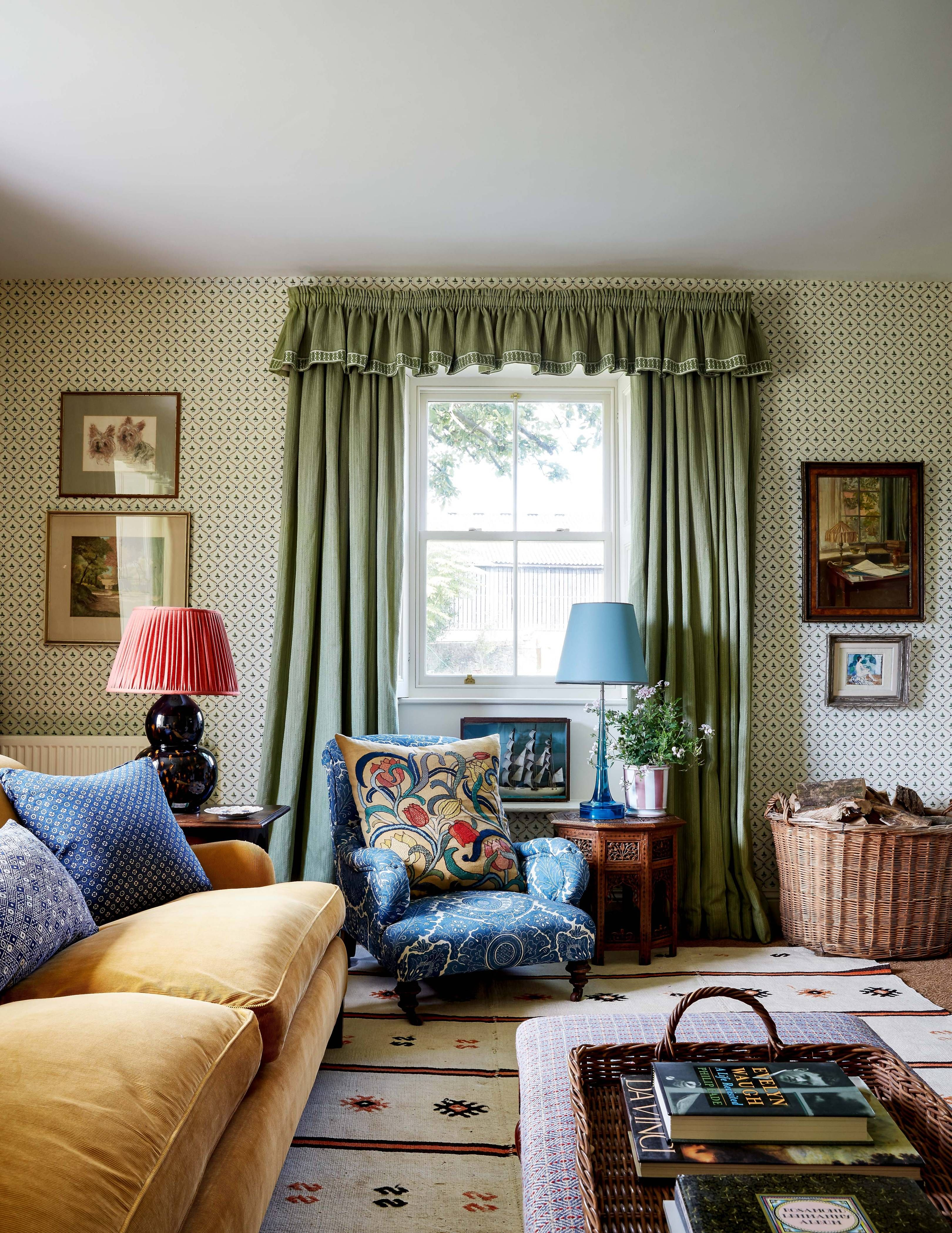Virtual Living Room Set: The Best House & Garden Rooms To Set As Your Zoom
