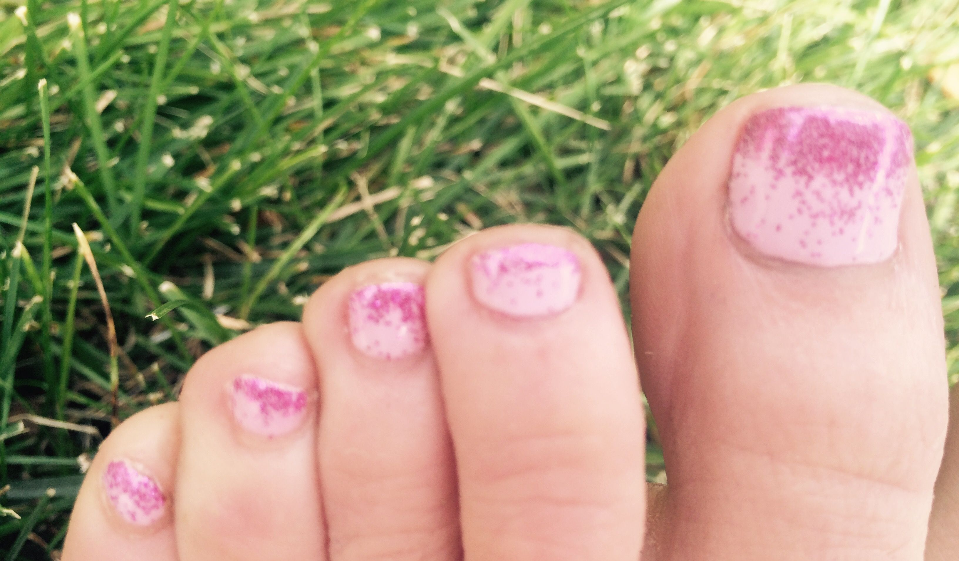 Pink faded glitter #pedicure | The Maintenance Train | Pinterest ...