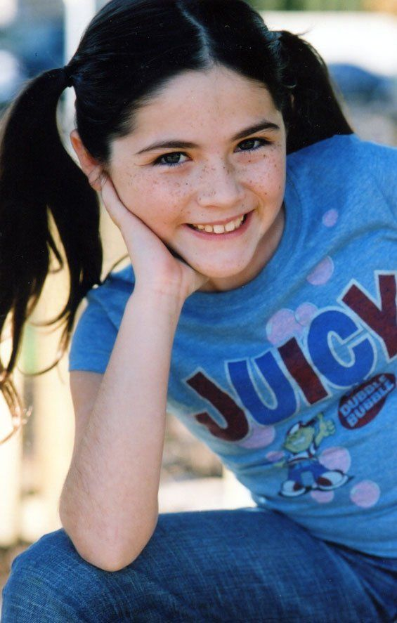 Isabelle Fuhrman Clove Awwwwwww She S So Cute Hunger Games