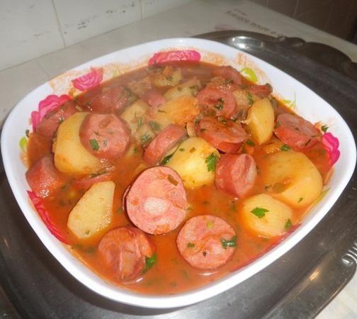 Confira esta deliciosa receita (Linguiça calabresa com batata) que um de nossos usuários publicou.