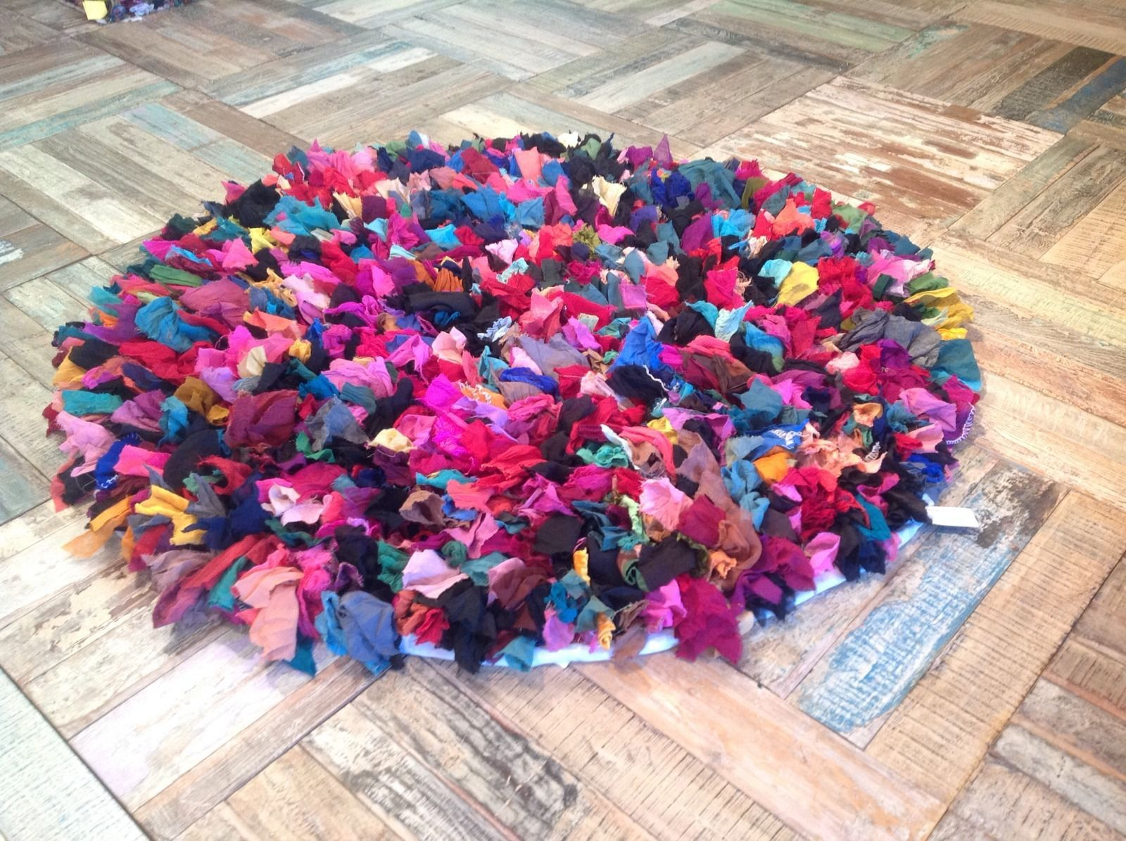 Fair Trade Vintage Style Recycled Shaggy Multi Coloured Round Rag Rug 120cm