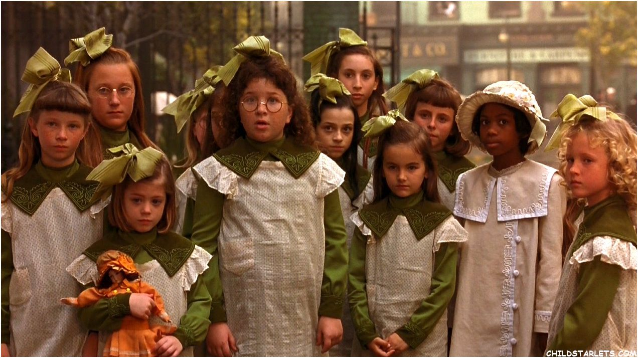 A Little Princess Alfonso Cuaron Steps Out Into A Magical World Of Green Film Review Princess Movies A Little Princess 1995 Little Princess