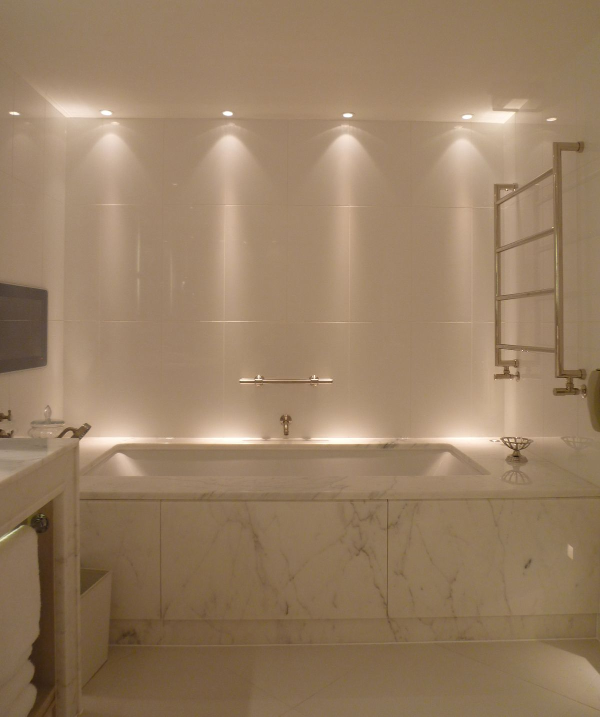 Bathroom Lighting Design Ideas: Bathroom Lighting Design By John Cullen Lighting In 2019