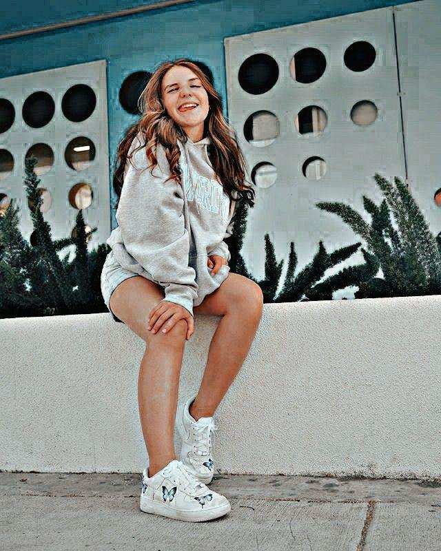 Pin by Young Rachel on Billie | Billie, Billie eilish, Singer