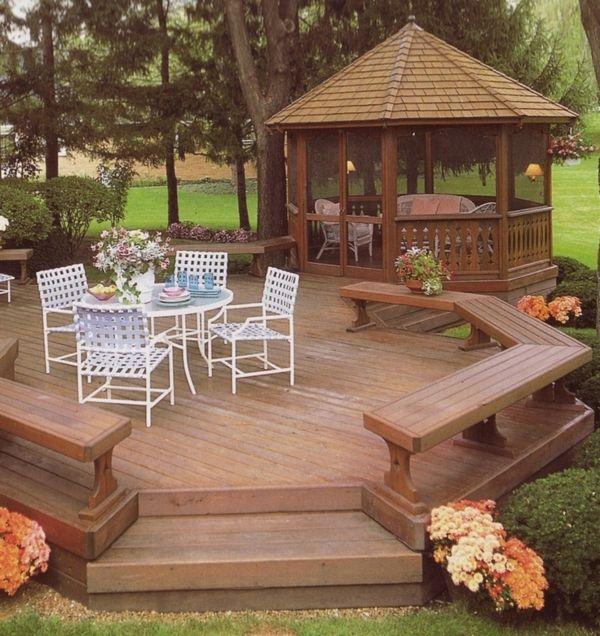 pavillon de jardin en bois, chaises blanc de jardin, table de jardin ...