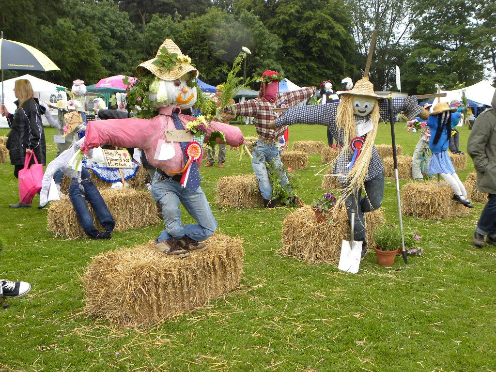 Best Scarecrow Compeion at our village fair. Can this year's ...