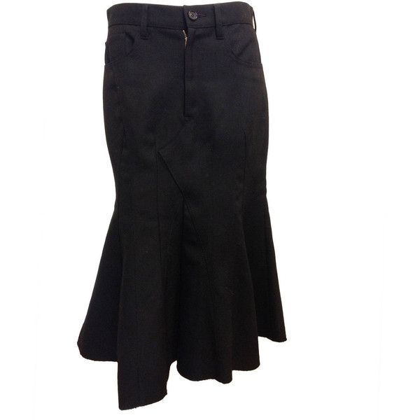 Preowned Junya Watanabe Black Flared Skirt ($449) ❤ liked on Polyvore featuring skirts, black, black knee length skirt, black skater skirt, black skirt, skater skirt and flare skirt