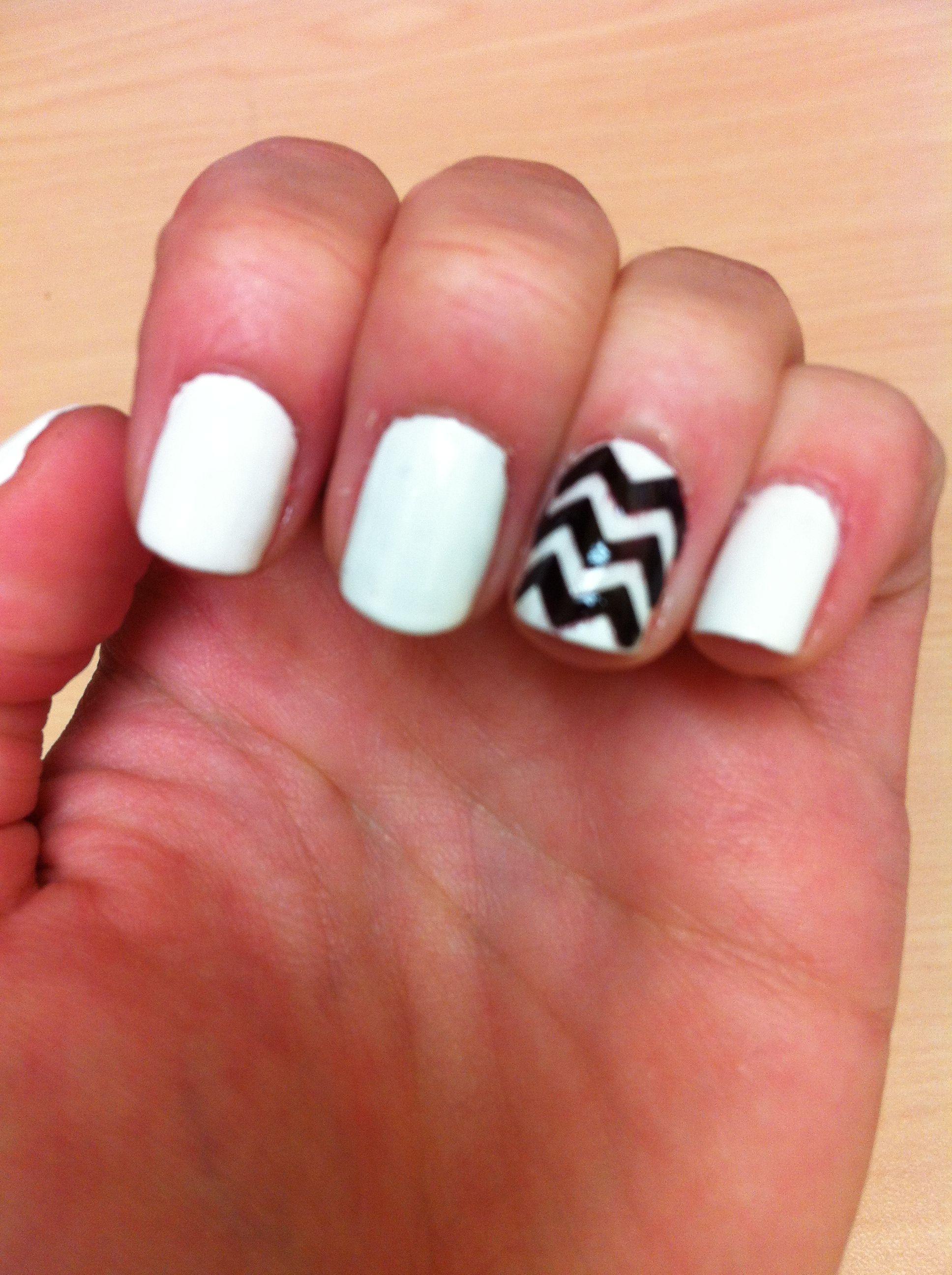 black and white chevron nails | rock your nails | pinterest | nail