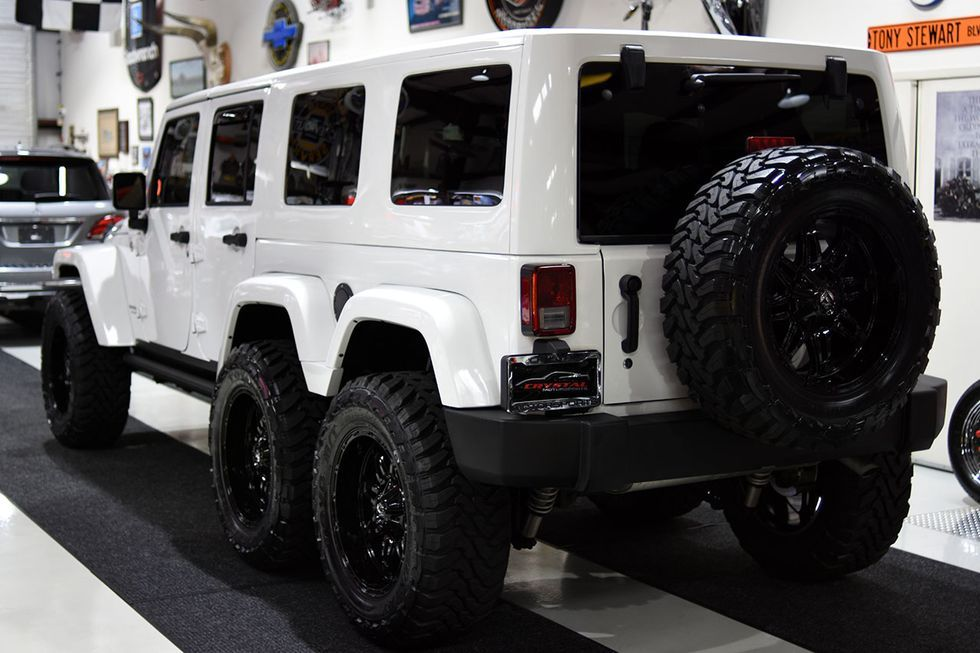 Don T Like The Jeep Gladiator Pickup Buy This Wrangler Six