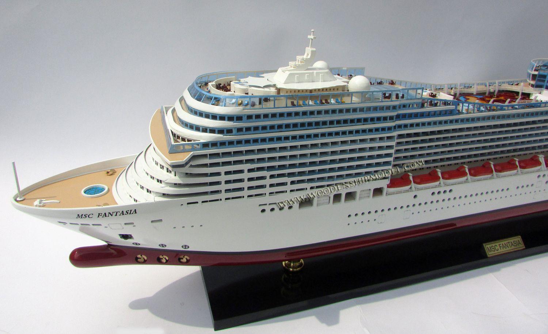 MSC Splendida Modell Cruise Ship
