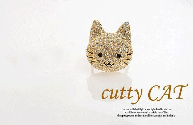 Crystal Gold Tone Cocktail Cat Ring