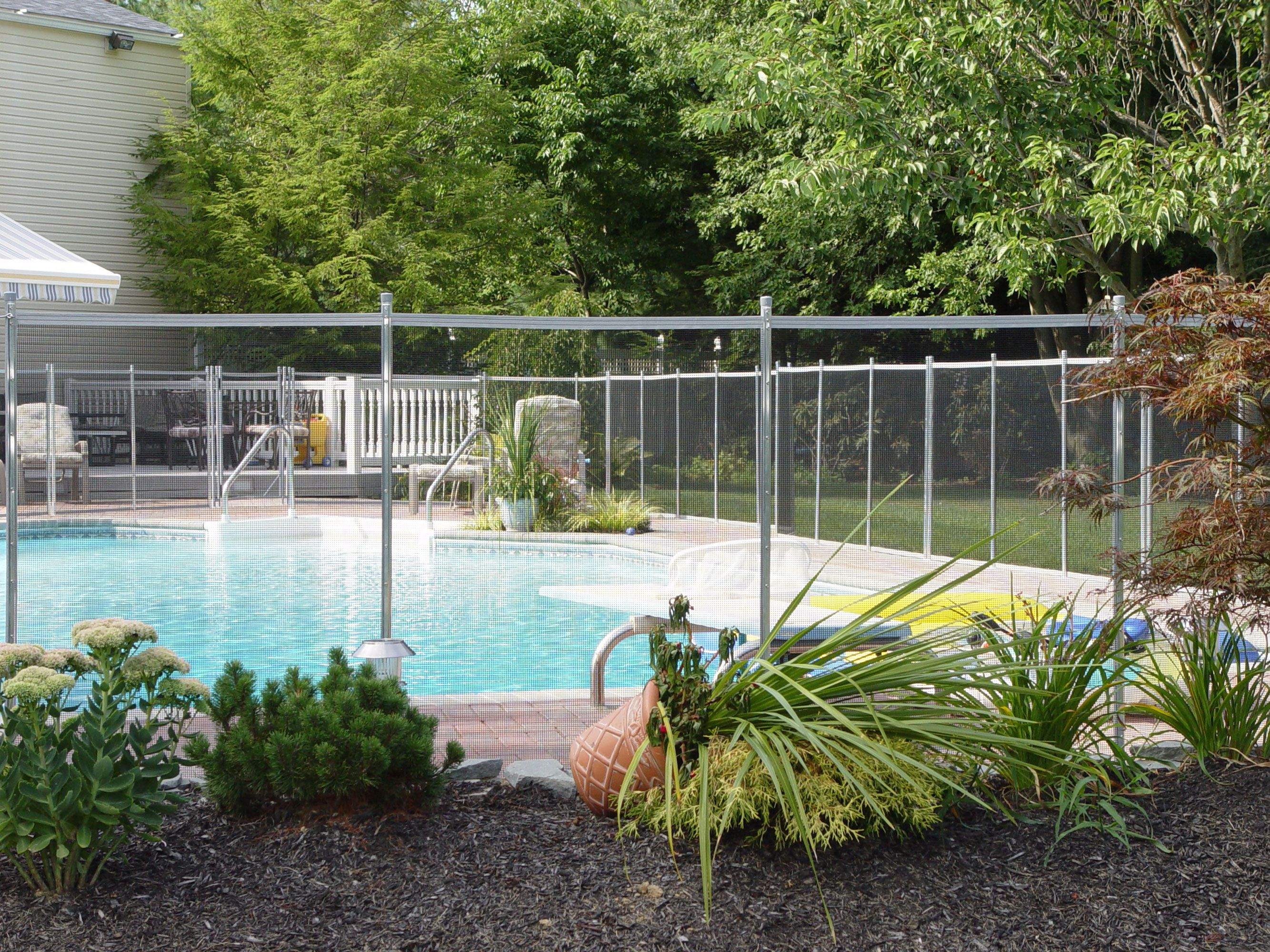 18+ Stylish and Safety Pool Fence Ideas for Your Homes | Fences ...