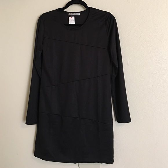 bodycon dress--read measurements/sizing is off.. Cute long sleeve bodycon dress. This dress does have some stretch to it. This dress size in inside is xxx-l...I measured this dress and the waist measured 31 1/2 inches with length being 31 inches from top of dress. Dresses Mini
