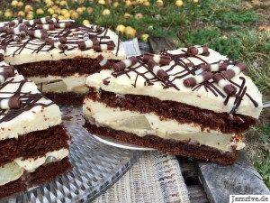 Schokoladenkuchen mit Birnen und Karamell - Aus meinem Kuchen-Blog   - a cake -