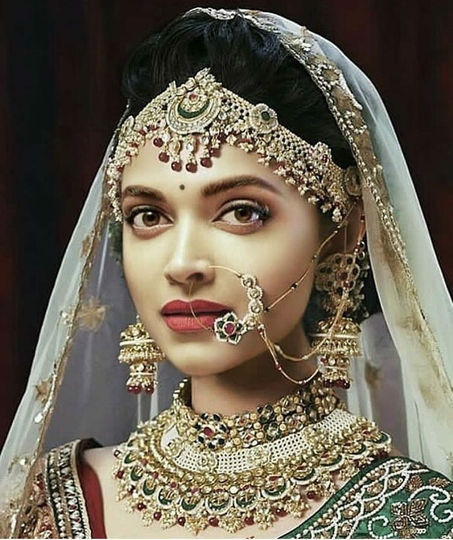 Bride look of Bollywood actress - Deepika Padukone in 2020 ...