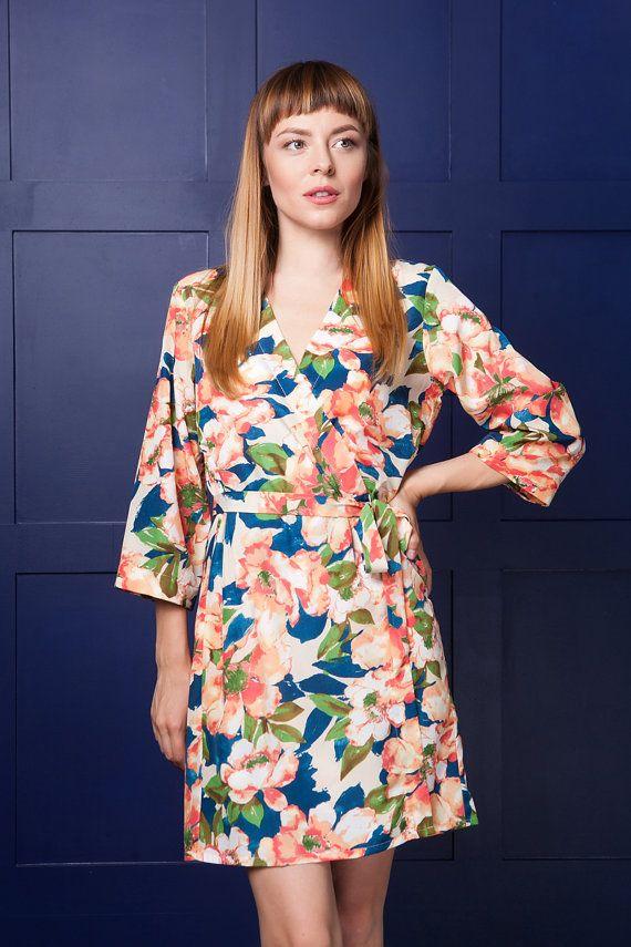 e3dc1aeff0 Peach Floral Kimono / Silky Satin Peach and Blue Dressing Gown / Peach  Floral Robe /