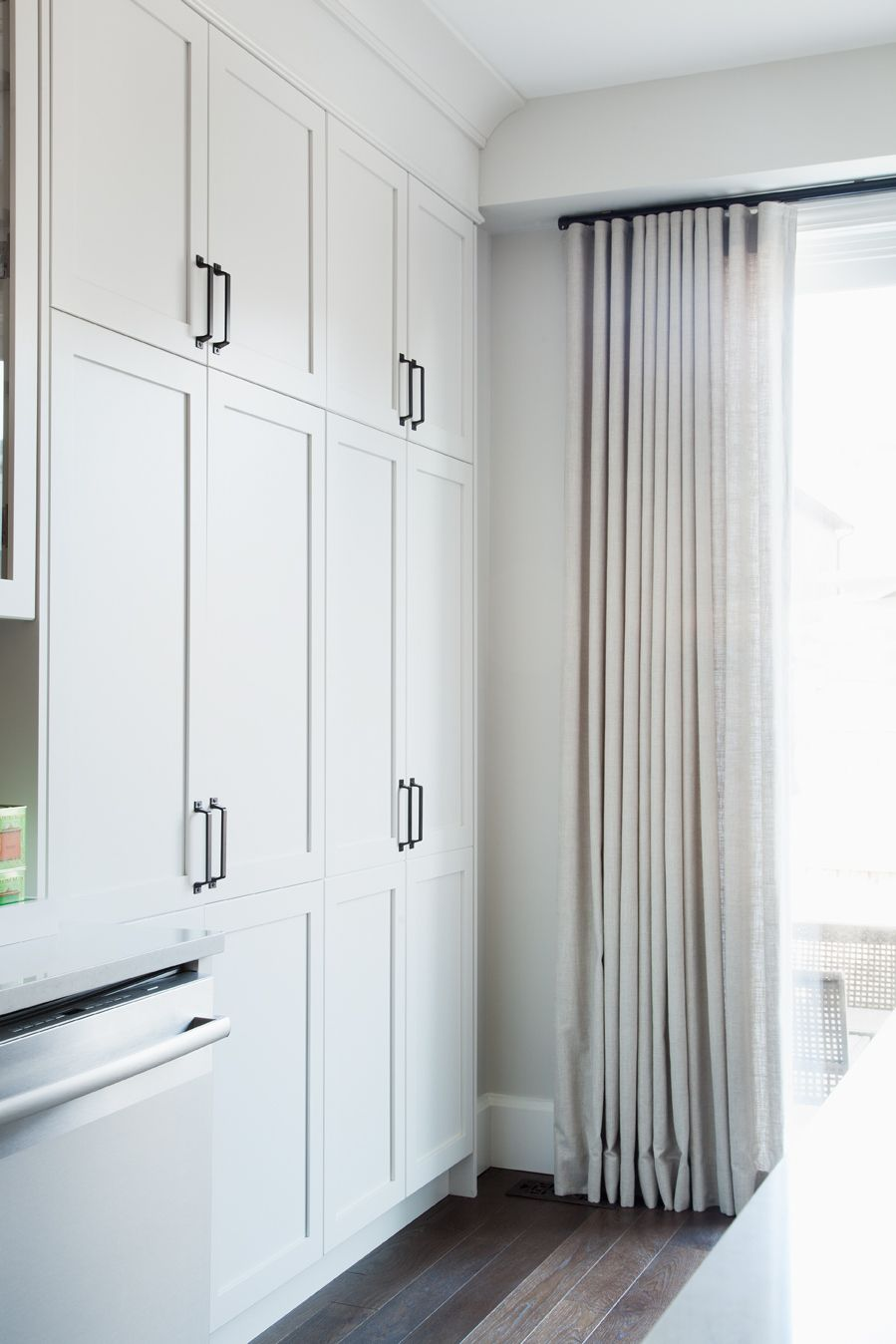 Is crown molding expensive - Using Crown Moulding To Make Cabinets Look More Expensive Vanessa Francis Design