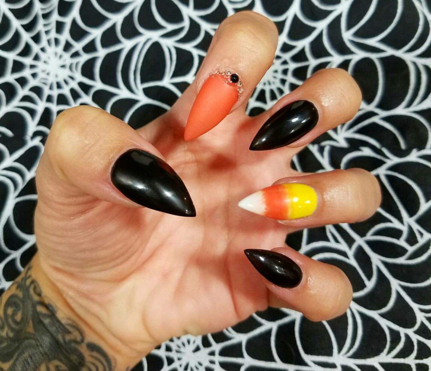 Candy Corn 20 Spooky Nail Art Ideas For Halloween Halloween Nails Easy Halloween Nail Designs Candy Corn Nails